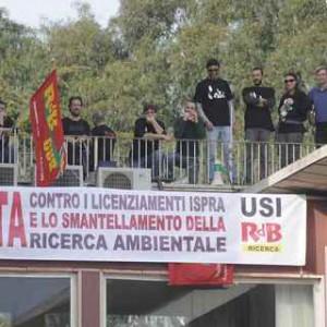 ispra-protesta-tetto